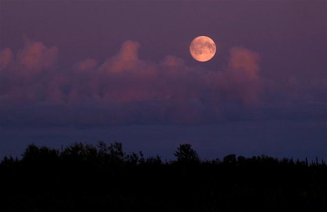 16-2703-moonrise